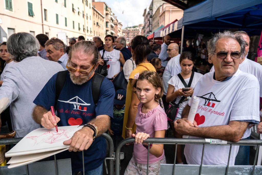 Commemorazione degli sfollati a un mese dal crollo del ponte Morandi